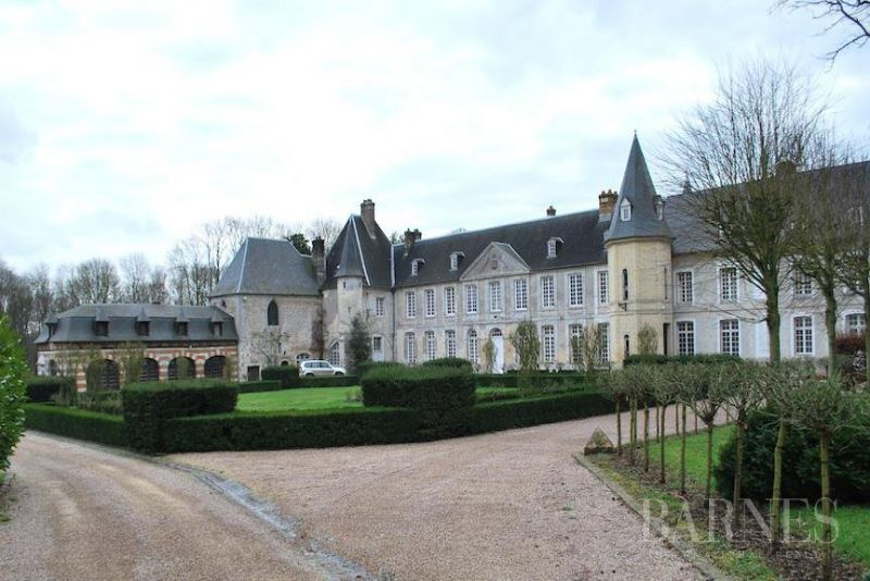 Normandie, wonderful castle and its hunting estate of 90 acres