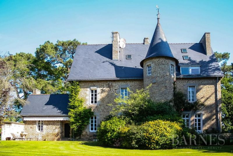 19th century castle in a park of 5 hectares - South Morbihan