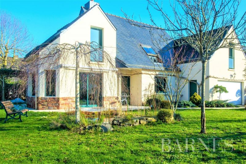 15 minutes from the entrance of Rennes - in a golf course - 188 sqm family house - 730 sqm of land