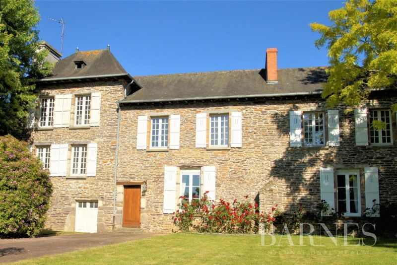At the gates of Rennes - Former presbytery of 230 sqm - Land of 2,500 sqm