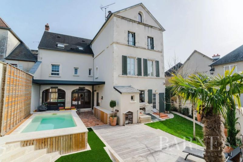 Sancerre - Maison de 297 m² et son appartement de 74 m²